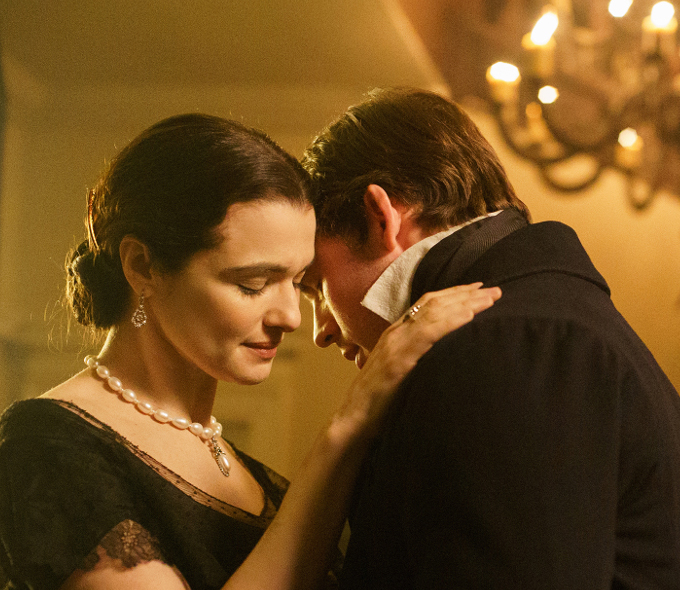 Rachel Weisz and Sam Claflin in My Cousin Rachel
