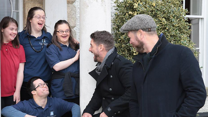 Keith Duffy and his Boyzlife partner Brian McFadden meet Actors from the Blue Diamond Drama Academy